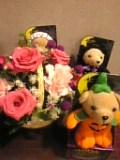 お花&ハロウィン菓子。