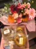 お花&焼菓子。