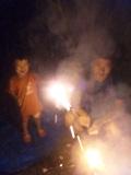 お庭で花火。