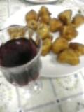 鶏シッポ唐揚げ、中国葡萄酒。